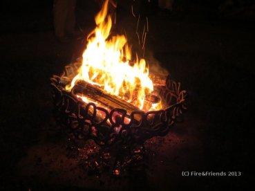 Feuerkorb in Flammen